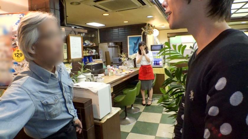 ヤリマンで巨乳で可愛い子がバイトに入ると潰れそうな店も繁盛するという事実wwwwwww
