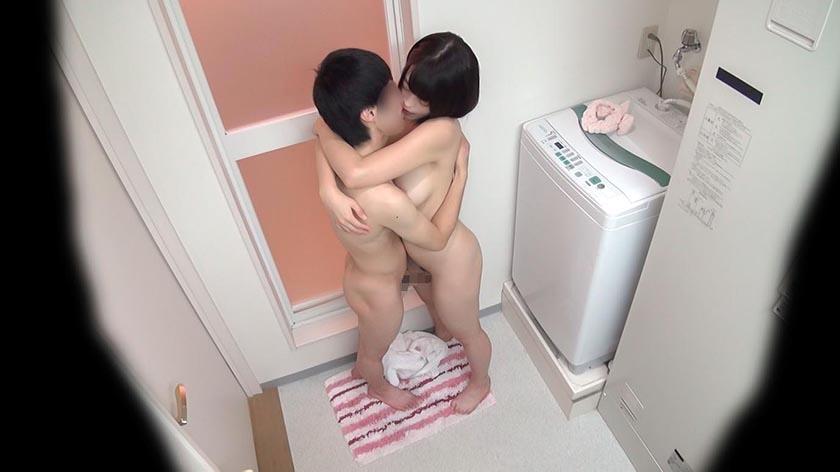 巨乳姉、数年ぶりに弟と一緒にお風呂に入る→裸で部屋に戻って合体してしまうwwwww