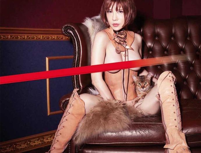 【画像】銀座のクラブのホステスさん、全裸になる・・・