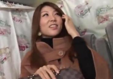 意識調査と称しナンパした渋谷在住の美人セレブ妻をデカチンピストン無許可中出し!