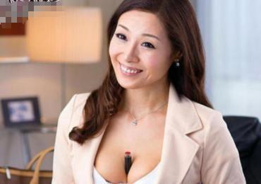 アラフォー美熟女な保険外交員の絶妙セックスアピールに・・顧客あっという間に陥落www