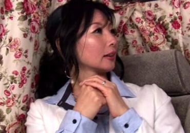 銀座でゲットしたハイソなセレブ美魔女奥(57歳)さまが電マと若マラチ●ポに大暴走!!!!