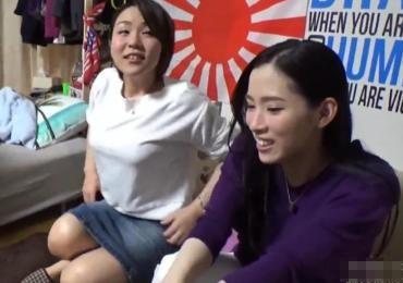 ロケットパイなヤリ友のヤンママ2人組を家に連れ込み昼間っから飲み会合コンでハメ撮り乱交展開!!