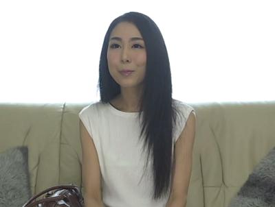 早過ぎる夫婦の営みに不満を抱えて夫に内緒でAVデビューする小宮山加奈子さんのおめこ