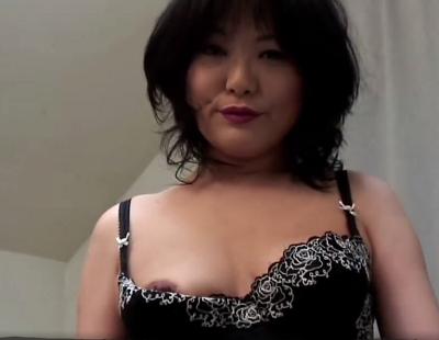 ケバ目の熟年女性と飲○ドMプレイの後におまんこ中出ししてるハメ撮りセックス動画
