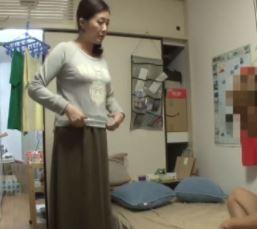 【人妻動画】経験が豊富そうなオバ様をダメもとで口説いたらヤラセてくれた☆