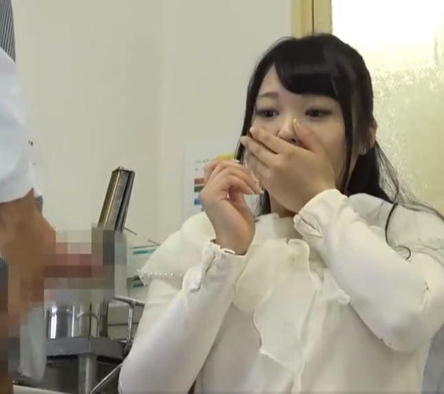 【人妻動画】《奥さま企画》えぇぇ生はマズイ~気持ち良さに負けて生ファックから膣内内射精