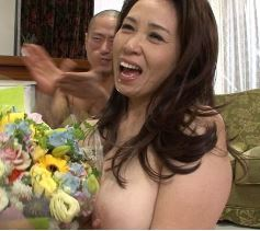 (ヒトヅマムービー)マザコン男達の理想的な母☆50代おばさんが遂に引退