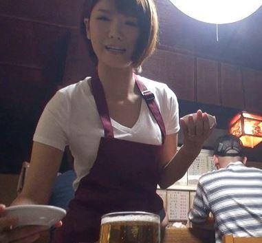 (ヒトヅマムービー)下町の大衆焼肉屋で働く隠れくびれFカップの痴ジョ系奥さまにロックオン