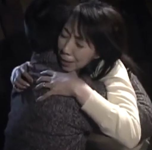 (ヒトヅマムービー)(近親〇姦)幸薄い熟母が心の隙間をうめる為に背徳の行為におちる