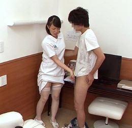 (ヒトヅマムービー)ナァスが患者のシコシコを目撃して膣内内がヌレヌレもう我慢できない…