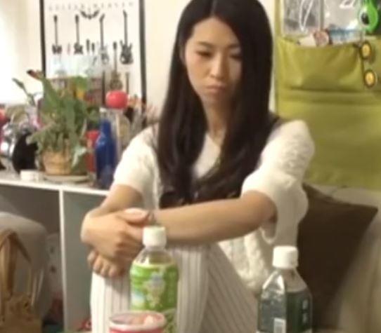 【人妻動画】《奥さまキャッチ》最近ではダンナに女として見られらくなったヨメさんがイケ麺との触れ合いで膣内がヌレヌレ