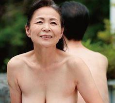 【人妻動画】《超熟おばちゃん》久しぶりの愛欲に萌える団塊世代のダンナ婦の営み…