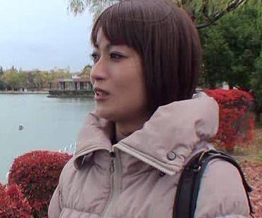 【人妻動画】《ヒトヅマ企画》パーティで出会った奥様は福島県で医師として活躍している