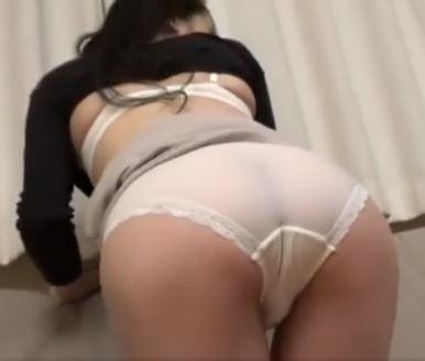 【人妻動画】《美人妻キャッチ》引き締まったBodyが魅力的なオクサマが他人棒にざーめん流し込まれる