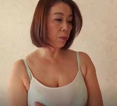 (ヒトヅマムービー)《青井マリ》義母のムッチムッチカラダに発情した婿と禁断膣内内だしファック