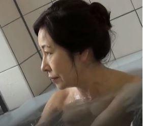 (ヒトヅマムービー)(還暦の肉欲)忘れかけていた女の喜びを取り戻した高齢おばちゃん