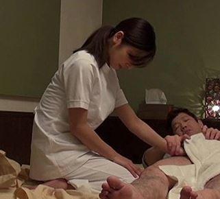 (ヒトヅマムービー)《マッサージ》ビジネスHOTELで出会ったモデルマッサージ師 欲求不満なヒトヅマは他人棒にハマる☆