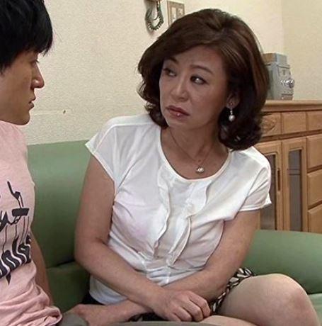 【人妻動画】《50代の欲望》熟れた肉体が禁欲のチンチンを受け入れてハメまくり