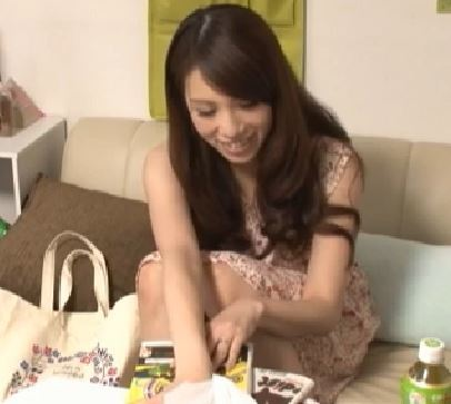 【人妻動画】《連れ込みキャッチ》まさに食べ頃の奥さんが煽てられてヤル気まんまんですよ…