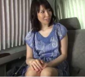 【人妻動画】《ヒトヅマキャッチ》美魔女さんが他人棒に突かれて絶頂してする…