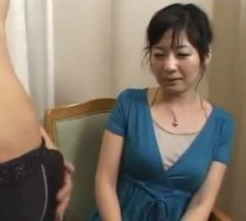 【人妻動画】《自慰観賞》あぁ凄いわ☆才を重ねて欲アップした真面目そうなヨメさん