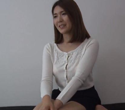 【人妻動画】《ヒトヅマ企画》ねっとり白液の催淫効果で奥さんえろムラムラネトられ受精SEX