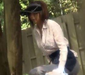 【人妻動画】《人妻キャッチ》地方おばさんは出会いもなく男根に餓えていることが判明しました…