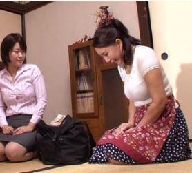 (ヒトヅマムービー)《50代》お義母さん俺は我慢できないわヨメよりずっといいよ… 庵叶和子