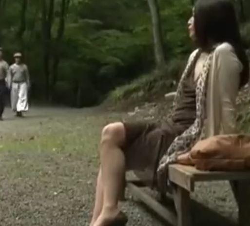 (ヒトヅマムービー)《ヘンリー塚本》絶倫のチンチン大好きなヒトヅマが山小屋に現れる…
