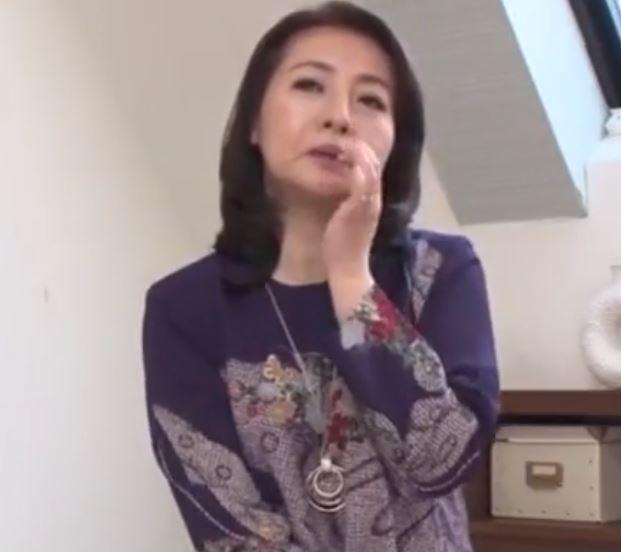 【人妻動画】《初撮り還暦》まだまだ女を忘れられない完熟まんこにざーめんを注入される人妻さん