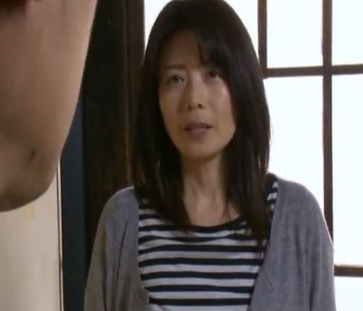 (ヒトヅマムービー)《へンリ-塚本》チンチン大好きな女がアニとの性行為を辞められない・・・
