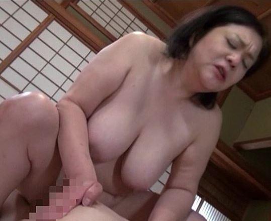 (ヒトヅマムービー)ヤミカネ屋の罠に嵌り喪服を剥ぎ取られ犯されゆく美美巨乳夫を亡くした妻