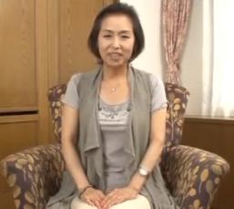 (ヒトヅマムービー)《超熟おばさん》いくつになっても男根の感触が忘れられないんです