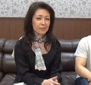 【人妻動画】超熟おばさま・・60才を迎えるのに性欲だけは現役の人妻さん
