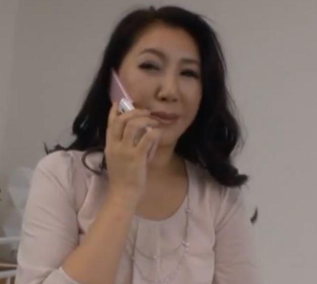 【人妻動画】《ネトられ妻》熟妻たちの体は気持ち良さを感じ初め次第に受け入れイキまくる
