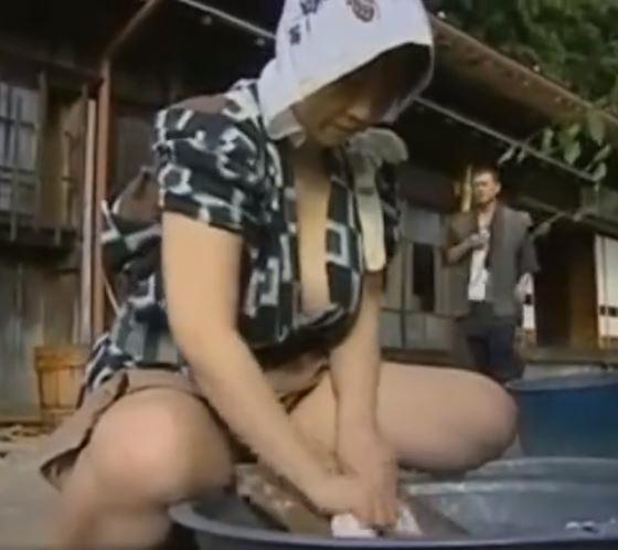 【人妻動画】《ヘンリー塚本》やわらかく☆あたたかく☆農家のダンナ婦は暇さえあれば体液を交わしてます