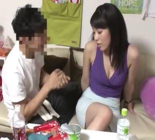 (ヒトヅマムービー)ヒトヅマキャッチ…イケメン君に甘い言葉をかけらけ膣内内がヌルヌル奥さん