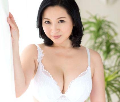 (ヒトヅマムービー)初撮りおばさん☆まもまく50代になるヨメさんは4年間のSEXレスで欲求不満な身体を持て余しているようです
