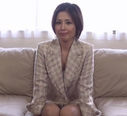 (ヒトヅマムービー)40,代とは思えない美貌とプロポーションで男を魅了してきた「桐岡さつき」
