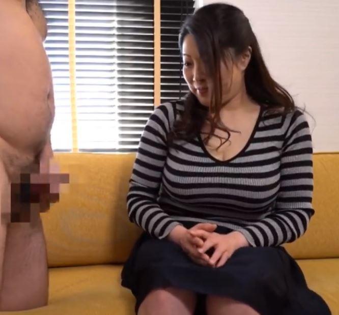 (ヒトヅマムービー)《奥さん企画》すげー柔らかそうなデカ乳ヨメさんがフルボッキした男根に子宮が疼きだす