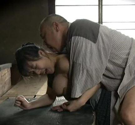 (ヒトヅマムービー)《ヘンリー塚本》男たちはが大好きなもの☆それは豊満なお乳☆