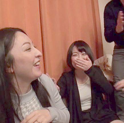 (ヒトヅマムービー)おなにー企画☆ホーケイ男根の独特の香りに牝の本能が開花するえろ妻たち☆
