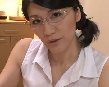 (ヒトヅマムービー)(ネトり痴ジョ)若いチンチンが大好きなえろおばさんの暴走する