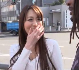 (ヒトヅマムービー)ヒトヅマキャッチ…上品な美魔女なヨメさんがビックバットのチンチンに膣内内を汚される