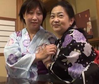 (ヒトヅマムービー)ドSな熟妻さん…いい才しているオバさんが他人のマラに甚振られる
