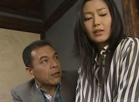 【人妻動画】(ヘンリー塚本)普段は真面目な主婦は一度ちんこをハメられると狂ったようにヨガリまくるドS妻です