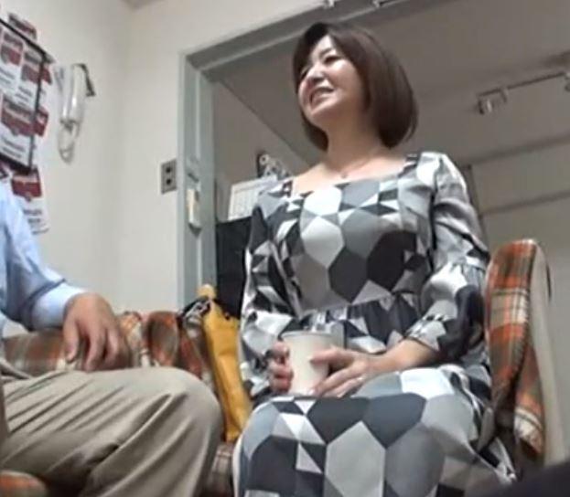 (ヒトヅマムービー),《ネトられ熟おばさん》40妻止められない性欲 50妻秘められた欲望