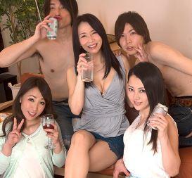 (ヒトヅマムービー)《美魔女キャッチ》良い感じに才を重ねた熟妻さんたちがアルコールが入りえろモード全開で凄すぎます