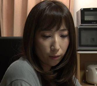 【人妻動画】(FAへンリー作)熟れた男女のねっとりで生々しい性行為がはげしすぎる